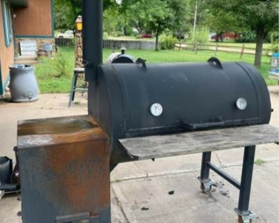 Reverse flow BBQ Smoker
