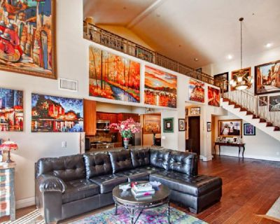 For Sale: 10862 Bloomfield St 307 in Toluca Lake for $799,500