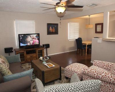 Casa Edison - Cozy, Charming, Comfortable 3BR House In Prime Central Location. - Jefferson Park