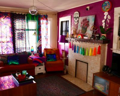 Beautiful Craftsman Home With Eclectic Psychedelic 70s Retro D cor In A Quaint Historic Neighborhood, Long Beach, CA