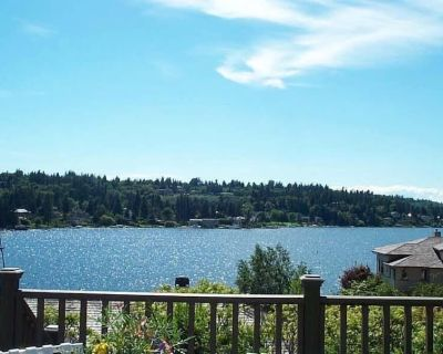 Ask 4 Coronavirus Specials! Waterfront View Cottage w/ Lake WA Water Access - West Bellevue
