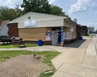 Commercial Space currently a convenience store