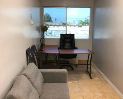 Temporary Office for Lease with Conference Table, Van Nuys, CA