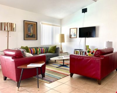 Palm Spring Style. Private Pool. Views. Pet friendly. Sleeps 6. Quiet. - Palm Springs
