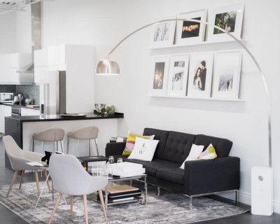Gorgeous North Light Studio And Kitchen, Toronto