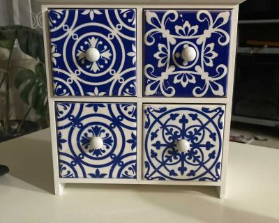 Cute little wood cabinet / small storage