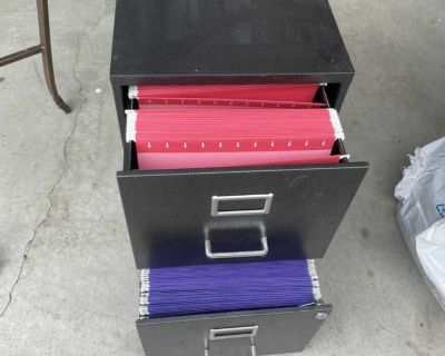 2 drawer filing cabinet with hanging files