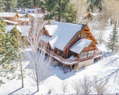 2,624 Square Feet | Luxury Moonridge Log Home | Game Room & Loft - Upper Moonridge