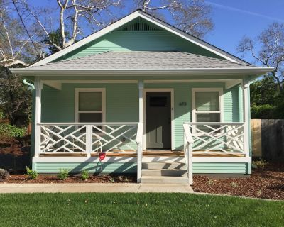 Renovated & Charming Chico House on Little Chico Creek - Chico
