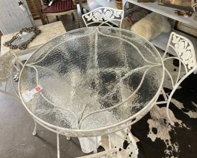 Vintage Cast Iron Patio Table and 4 chairs