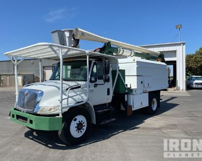 Aerial Lift 55 ft on 2002 International 4300 4x2 S/A Tree Trimmer Truck