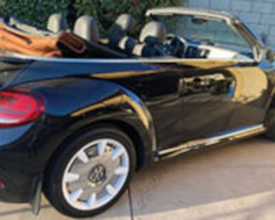 Volkswagen Beetle 2019 convertible final edition. Fully loaded 3200 mi