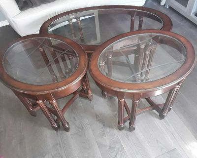 Wood Set of 3 Oval Tables