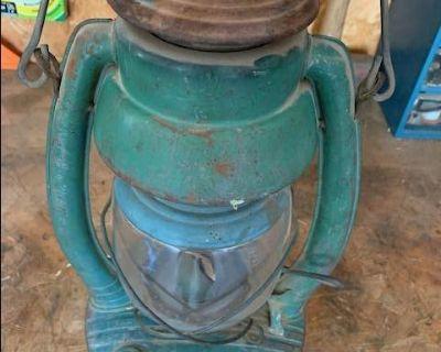 Vintage Embury #2 Air-Pilot Kerosene Lantern