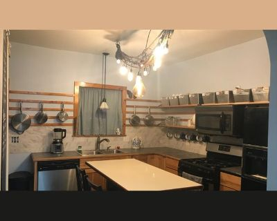 Room for rent in South Oak Street, Mount Pleasant - Downtown Park House