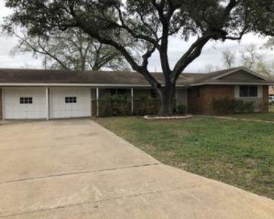 906 Abilene St, Pleasanton, TX 78064 3 Bedroom House