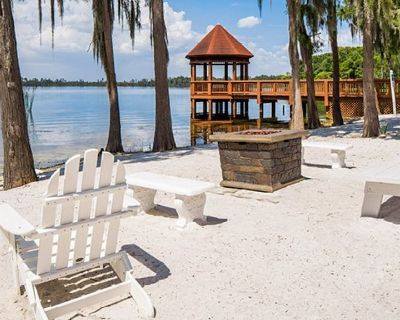 3 BDRM~ GRAND BEACH RESORT~ ONSITE LAKE~ HOLIDAYS AVAILABLE NOW~ LOWERED RATES - Orlando