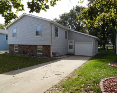 House for Sale in Bloomington, Illinois, Ref# 201722600