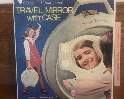 Suzy Homemaker Travel Mirror With Case & original Box