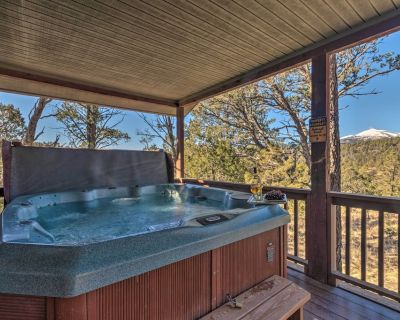 Ruidoso Cabin w/Hot Tub & Fantastic Mountain Views - Alpine Cellars Village
