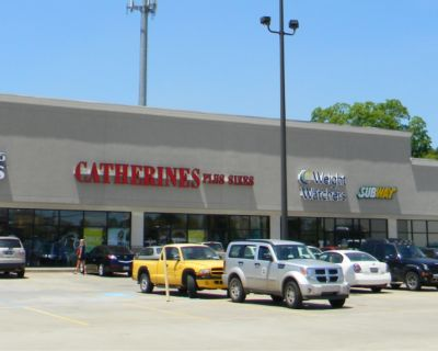 Bayou Plaza Shopping Center Suites For Lease