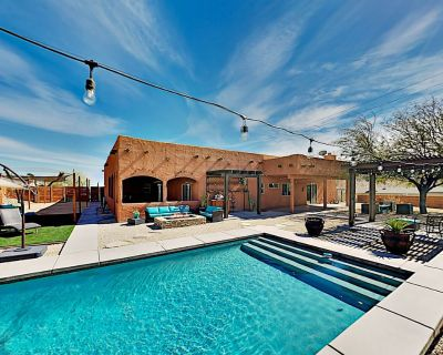 Luxe Desert Basecamp | Private Pool, Spa & Firepit | Near Joshua Tree Park - Yucca Valley