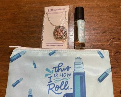 Diffuser necklace, chill out roller and bag- never used