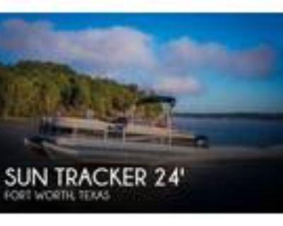 26 foot Sun Tracker 26