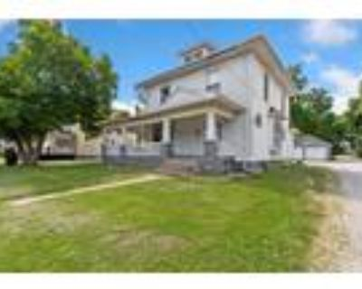 Charleston Real Estate Home for Sale. $100,000 5bd/3ba. - Emily Floyd of