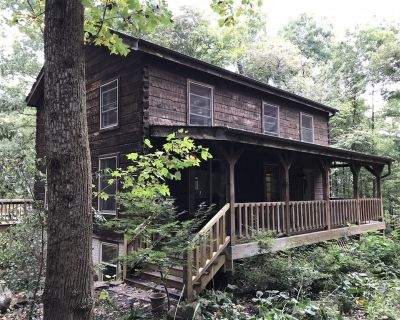 Entire Log Cabin Vacation Rental 4 Bedroom contact us for availability - Waterford