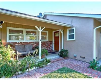 3 bedrooms 2.5 bath house in a beautiful location.