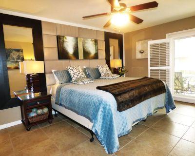 Luxury on Ground Floor by the Pool - Scottsdale