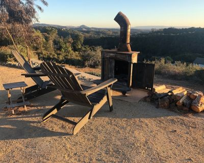 Quiet guest house with panoramic view, outdoor shower and old fashion wood stove - Arroyo Grande