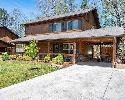 Luxurious cabin with Theater and Game Rooms - Gatlinburg
