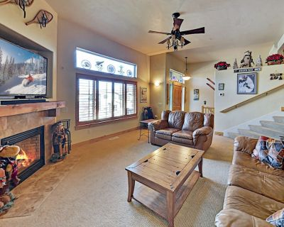 Bear Hollow Village Townhome   Pool, Gym & Private Hot Tub   Near the Slopes - Bear Hollow Village