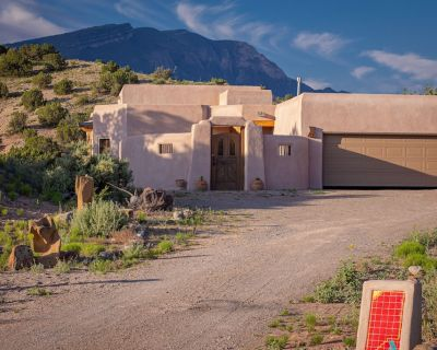 Mountain views, spectacular sunsets, and wild horses! - Placitas