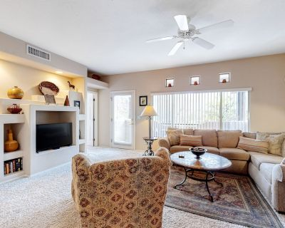 Desert Oasis w/ Free WiFi, Washer/Dryer, Shared Pool, Hot Tub, & Fitness Center - Rancho Vistoso