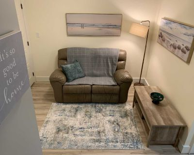 Fully Furnished, Newly Renovated One Bedroom PLUS Office for single occupant
