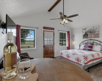 Stunning Cabin w/Hot tub&Views - Fredericksburg