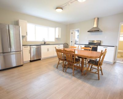 Beautiful 1 Bedroom 1.5 Bath Centrally located near Cornell & Ithaca |Available for June & July