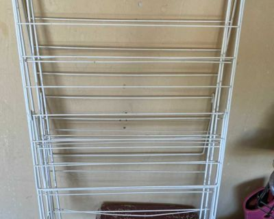Clothes drying rack .