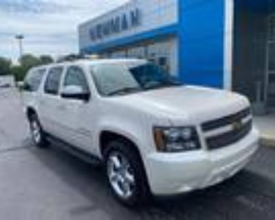 2014 Chevrolet Suburban White, 129K miles