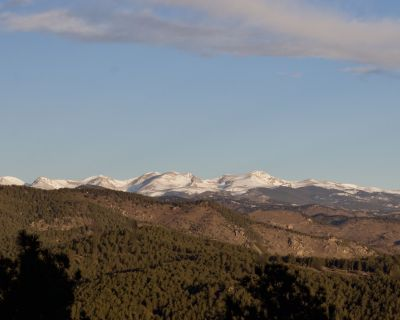 Snow capped views, wildlife, lake, close to skiing & Red Rocks Amphitheater - North Central Evergreen