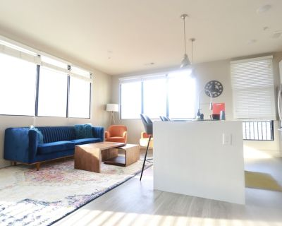 Exotic Luxury Apartment Home with Amazing Balcony With Beautiful Views - Home Park