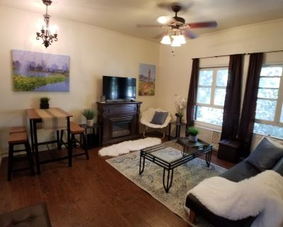 Affordable NY style Townhome close to Downtown - Westlake