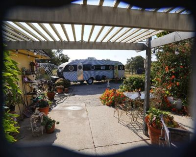 Stay in James Dean rare and restored 1952 Airfloat - San Luis Obispo County