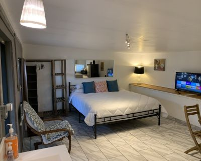 New - Guest House - king bed - Alhambra