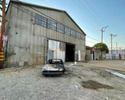 HUGE Industrial Gated Warehouse Lot, Compton, CA