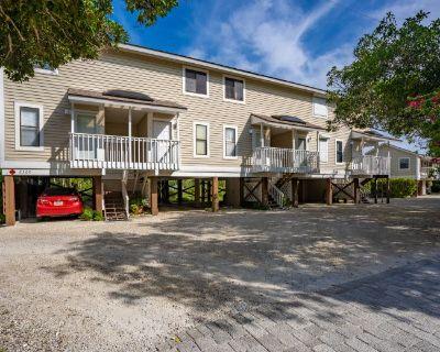 Condo for Sale in Sanibel, Florida, Ref# 201516055