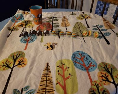 Full size shower curtain, decorative hangers and cup
